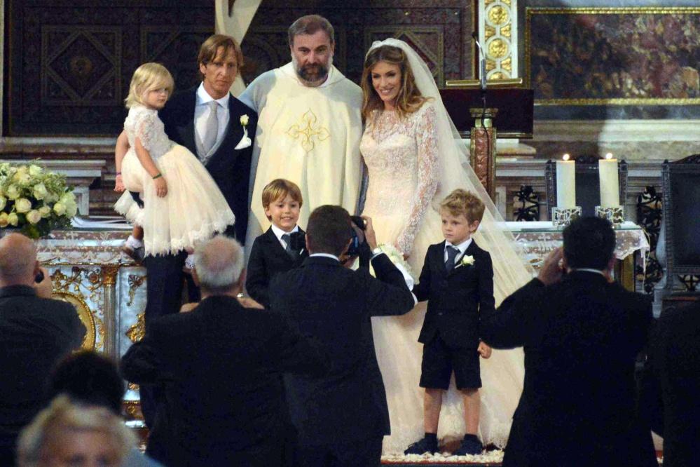 Massimo Ambrosini ha detto s�: ha sposato la sua Paola in chiesa a ...