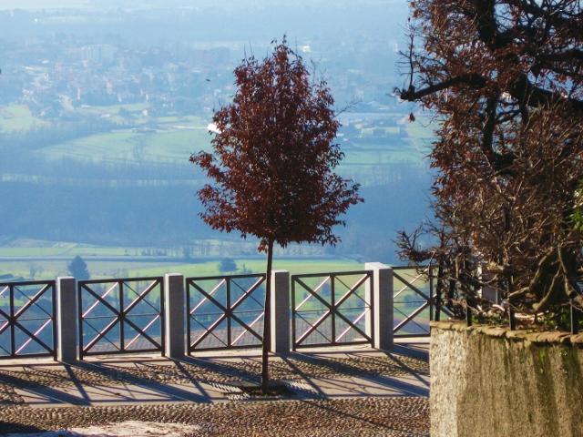 Montevecchia, straordinaria terrazza su Milano e la Brianza - Tgcom24