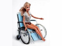 Sedie A Rotelle Torino : Barbie sulla sedia a rotelle è la campagna shock di una