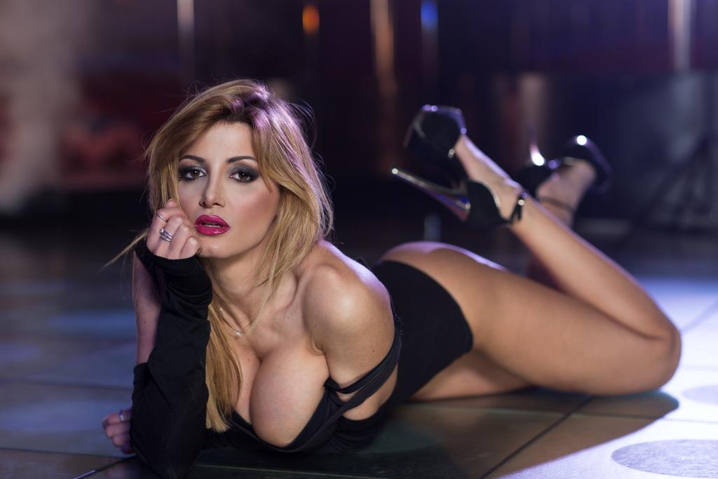 scene hot serie tv donne per serate