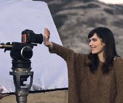 Erica Mou, eleganza essenziale a Sanremo - Televisione - Tgcom24