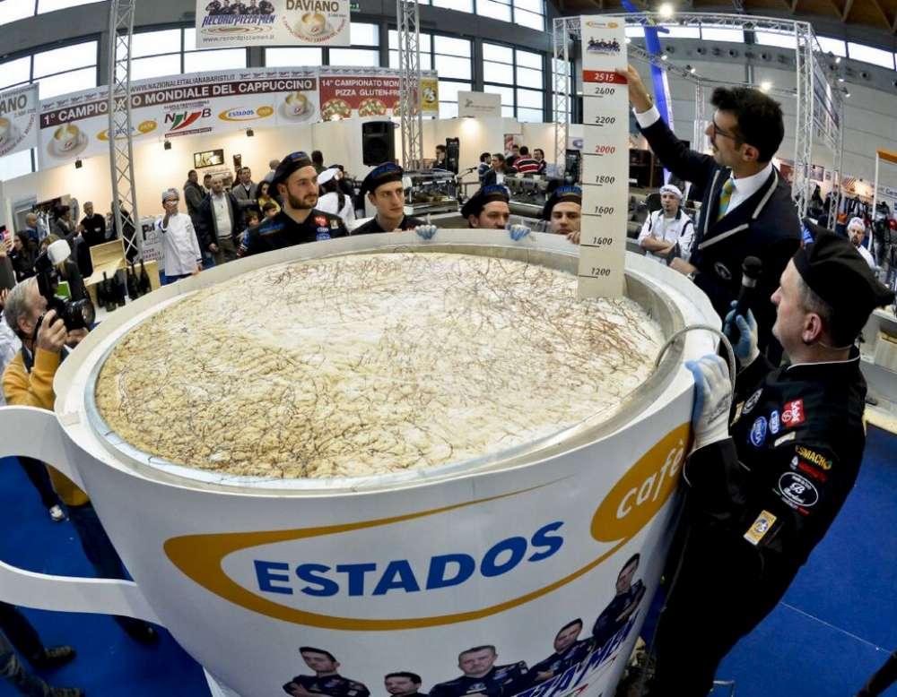 Il cappuccino pi grande del mondo tgcom24 foto 1 for La villa piu grande del mondo