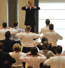 Come Bello Lo Yoga In Ufficio Per Lei Tgcom24