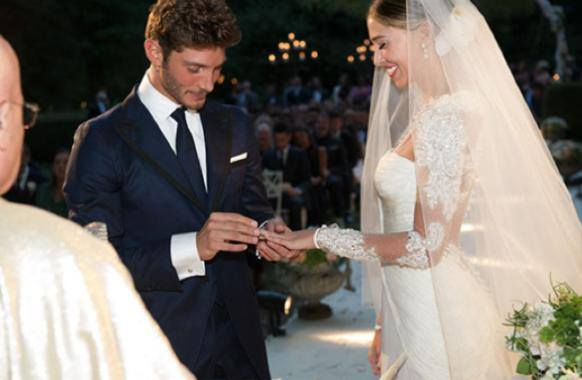 Belen e Stefano, su Facebook le foto delle nozze - Foto 1