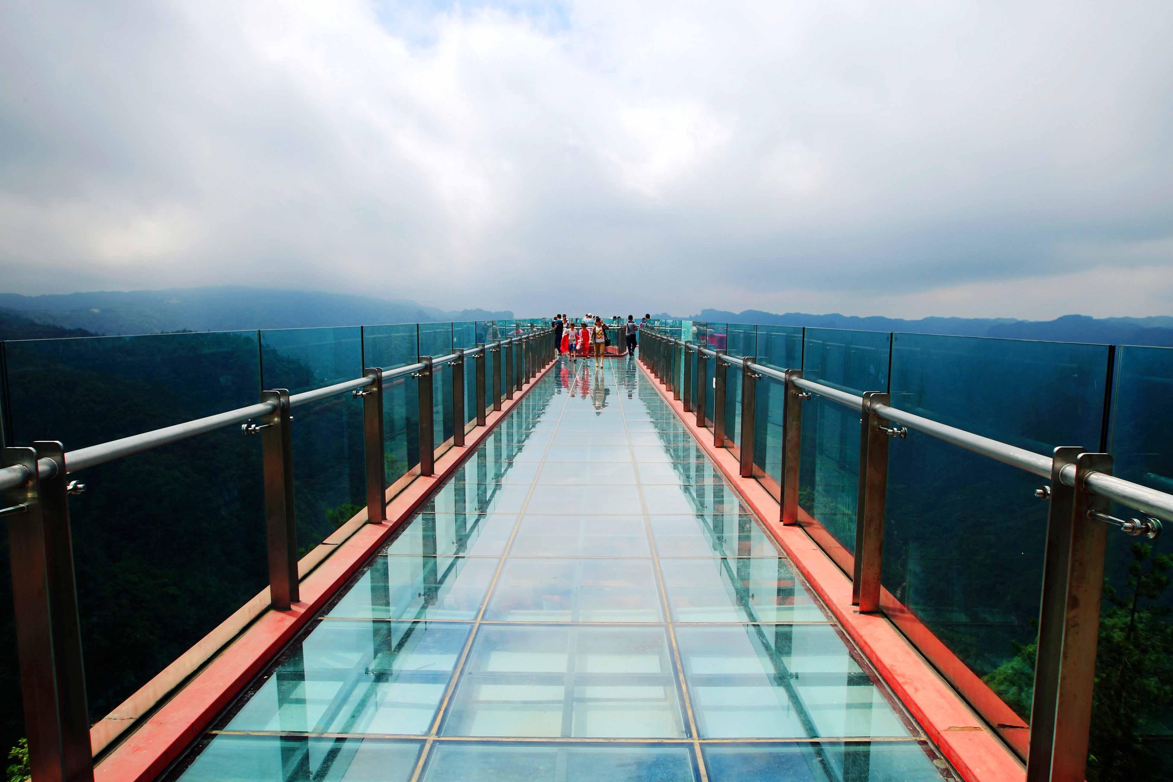 Il ponte di vetro pi lungo del mondo tgcom24 foto 1 for Piani di fondazione del ponte