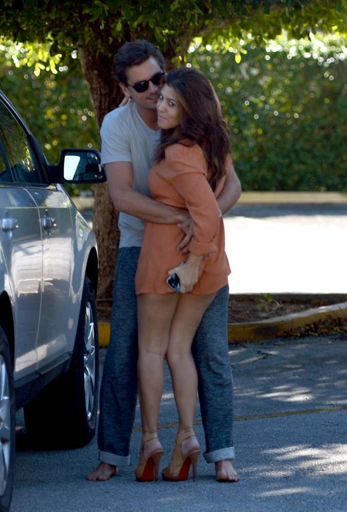 Kourtney Kardashian And Scott Disick Pda