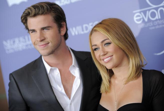 che sta uscendo Miley Cyrus ex siti di incontri per single cristiani